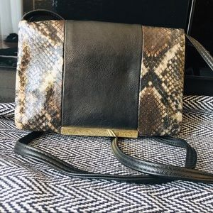 Nine West NWOT Snake Skin Cross Body Purse